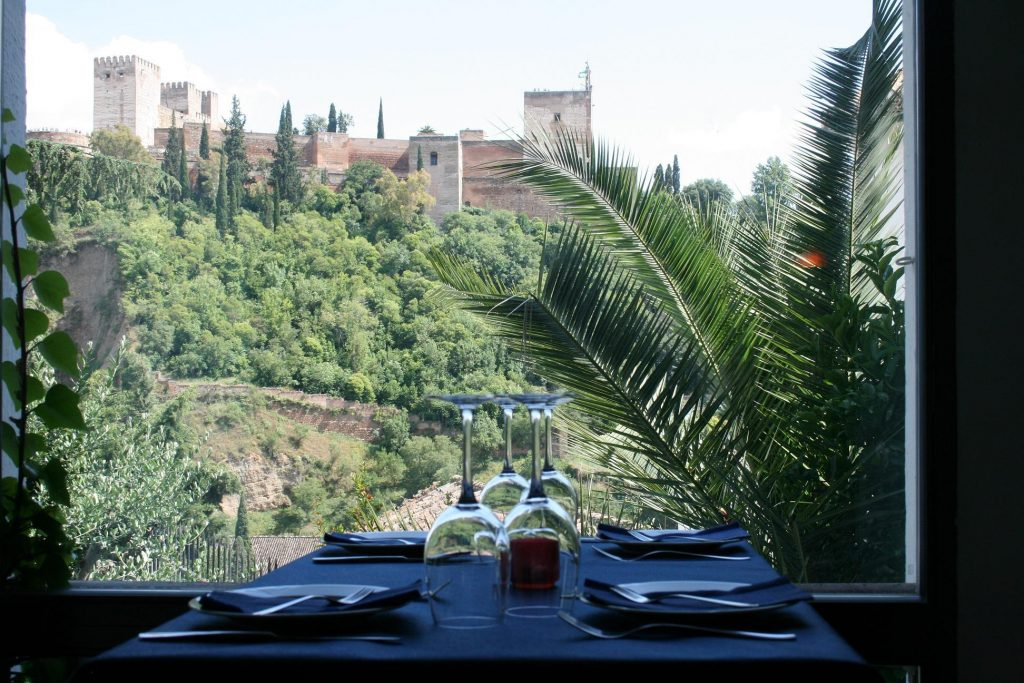 most-romantic-dinner-place-in-granada