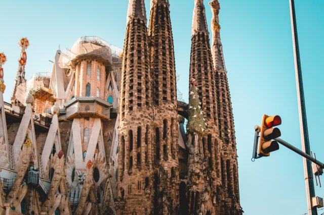 Coronavirus in Barcelona: cases, restrictions and safe travel