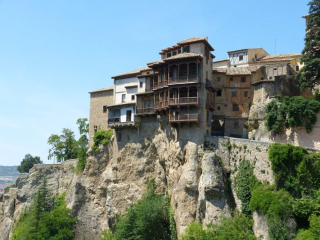 Cuenca and the breathtaking old building in the edge of the cliff